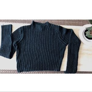 Knit-Sweater Crop Top!🍃